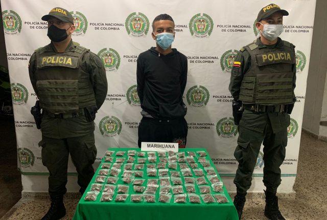 """Alias """"Cabezón"""" de 20 años de edad fue capturado con 70 dosis de marihuana en Montenegro - Noticias de Colombia"""