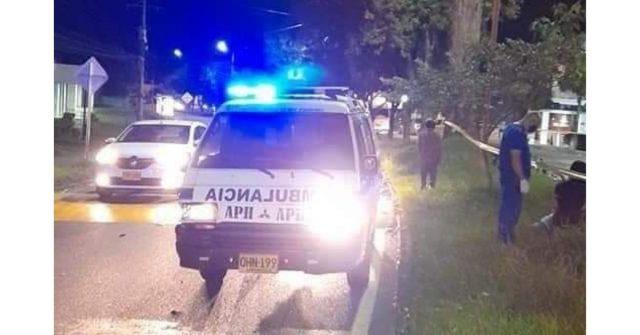 Motociclista de 25 años murió en trágico accidente de tránsito en el norte de Armenia - Noticias de Colombia